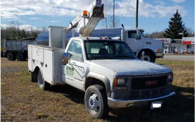 2000 GMC 3500-HD w/ bucket boom